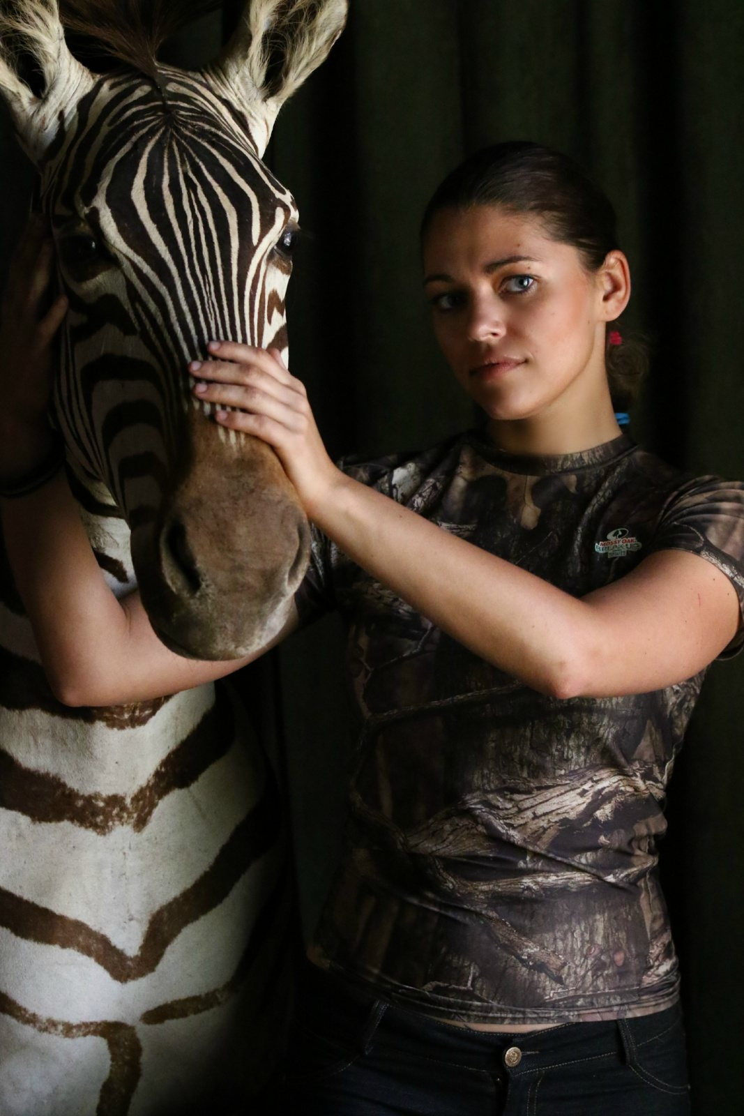 2-huntress-zebra