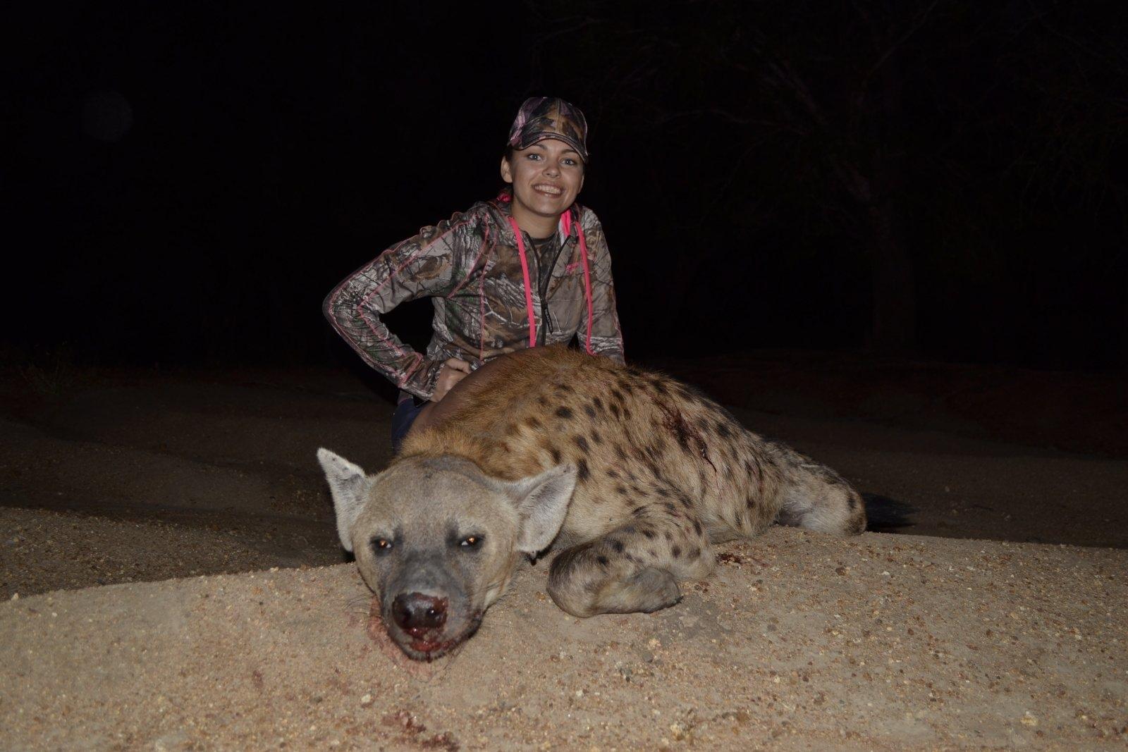 5-huntress-hyen