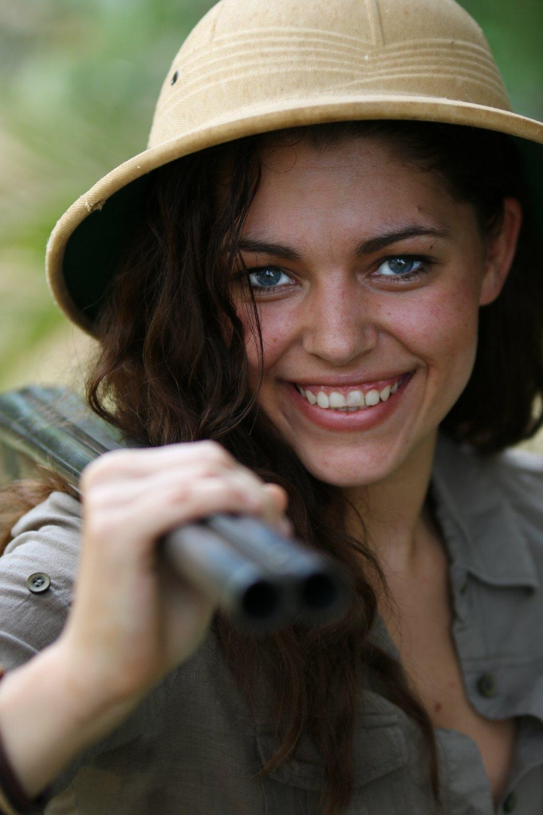 6-huntress-smile