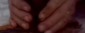 Rozdelání ohne křesadlem na kure živého topolu – Video návod
